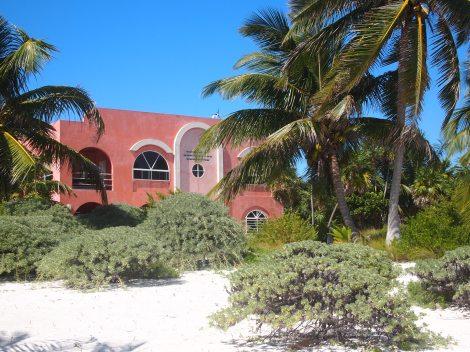 Modern villa near Tranquility Bay