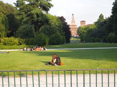 Castello Sforzesco in the distance