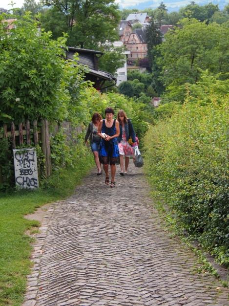 Cobblestone path down to Bern