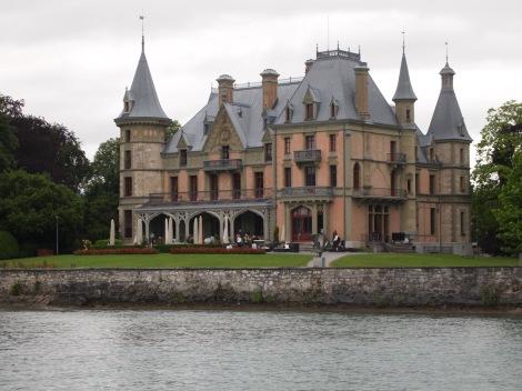 Lakeside villa on Thunersee