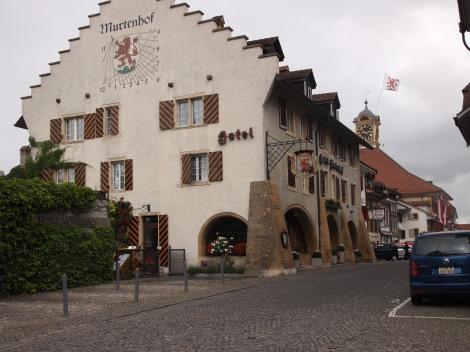 Rathausgasse leading into Murten aldstadt