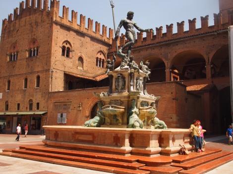 Nettuno (Neptune) Fountain in Piazza Maggiore